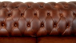 Detail operadla Chesterfield